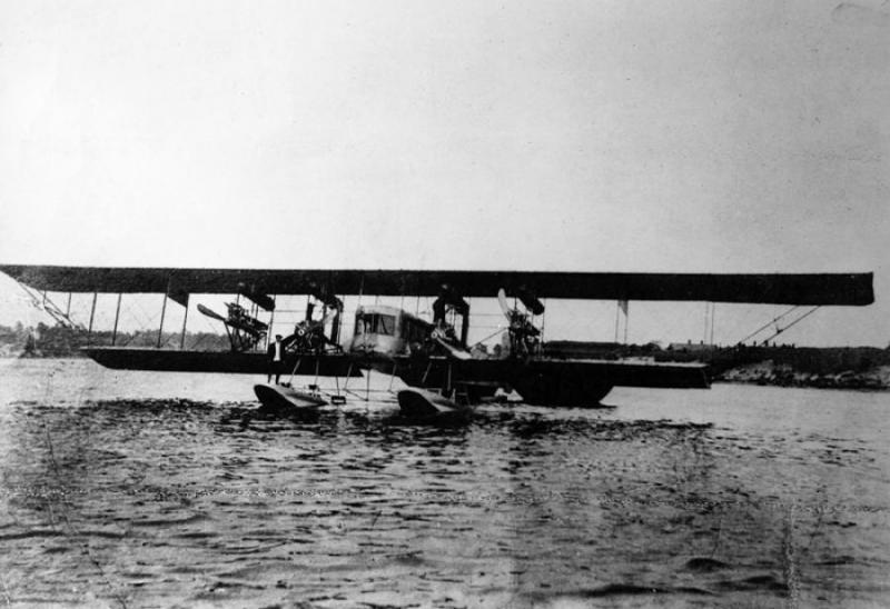 Самолет Илья Муромец