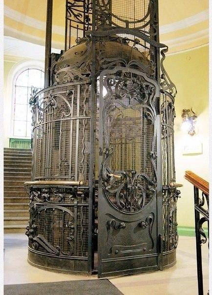 Петербургский лифт