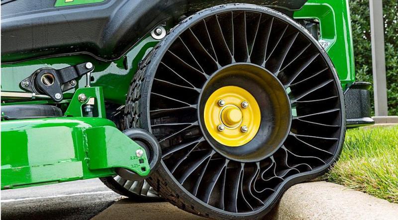 Безвоздушная шина Michelin Tweel