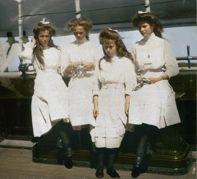 Великие княжны Мария, Ольга, Анастасия и Татьяна Романовы, 1910